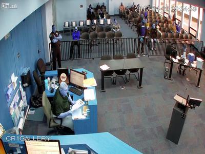 VIDEO: Ohio man drops cocaine in court