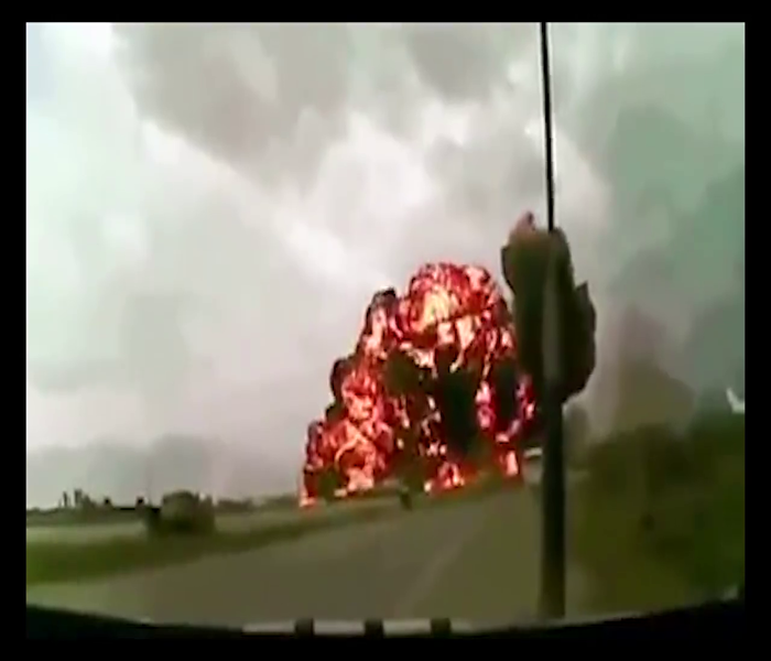 Crazy Plane Crash Caught On Camera